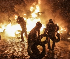 Kiev becomes a battle zone as Ukraine protests turn fatal