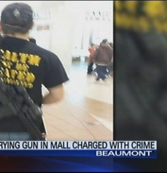 Man who carried AR-15 on his back inside Texas mall says charges not warranted