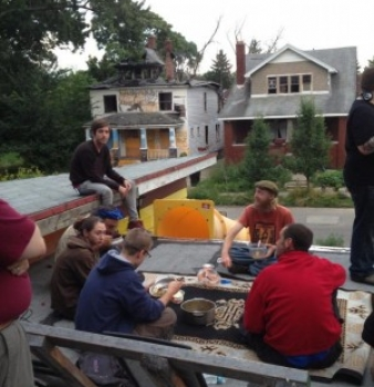"With Detroit's Bankruptcy, Anarchists Have Begun Project ""Free Detroit"" – Starting a Community"