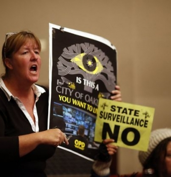 Oakland approves controversial Domain Awareness Center for surveillance